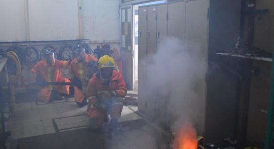 026ทีมดับเพลิงภายนอกเข้าทำการดับเพลิง